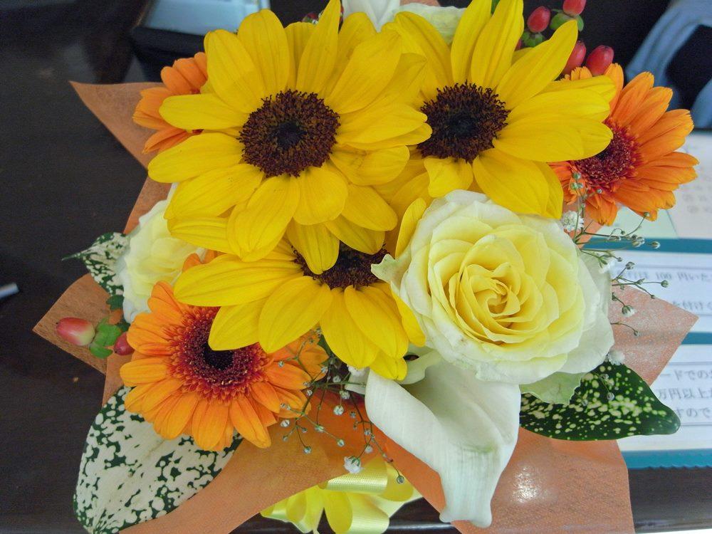 今月のお花、ハロウィンらしく黄色・オレンジ中心です。
